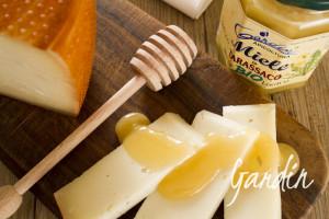 Abbinamenti: ricotta e miele di castagno - Apicoltura Gardin
